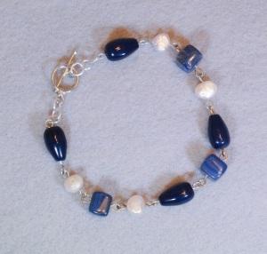 Blue bracelet with freshwater pearls - DSC_0380