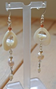 Mother of pearl and pearls earrings - DSC_0685