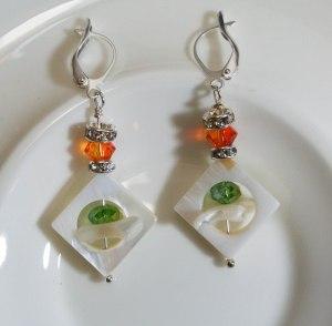 Pick-a-boo square MOP - Green & Orange crystals - DSC_0819